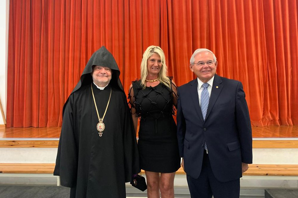 menendez_cyprus-armenian-community3_83021